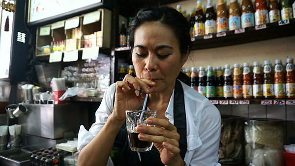 thai herbal drinks, tbangkok food tour, bangrak food tour, bangkok love tour