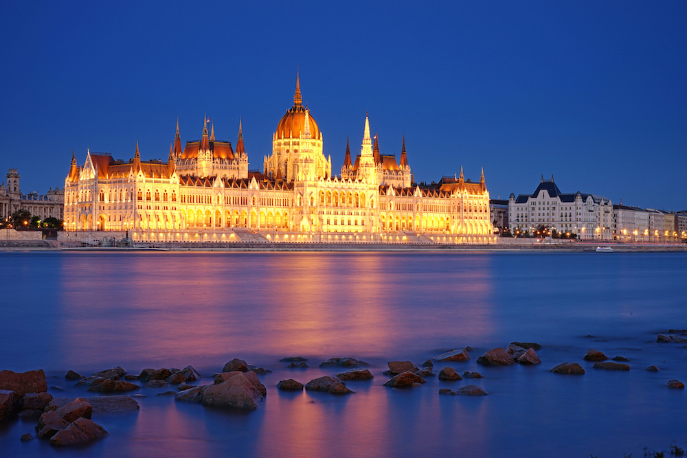 budapest travel guide, Budapest Parliament at Night