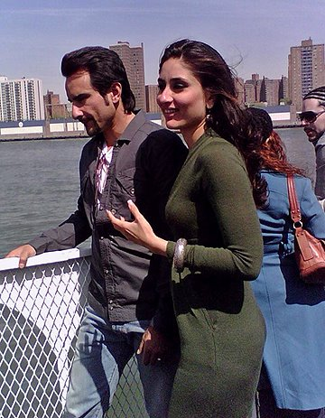 saif and kareena in new york filming
