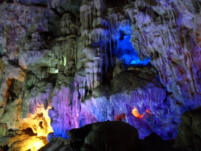 Dao Gau caves