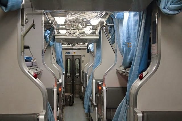Overnight train from Bangkok to Chiang mai, sleeper train in thailand, overnight train in thailand, train in thailand