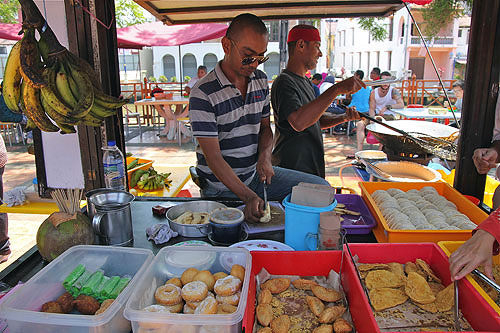 malay food, malaysian banana pancakes, malay street food
