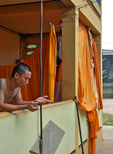 temple monks living space thailand
