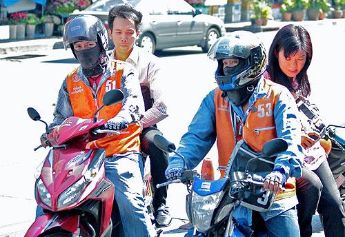 motorbike taxi rides in Bangkok, Ways to See Bangkok, bangkok travel guide, things to do in bangkok