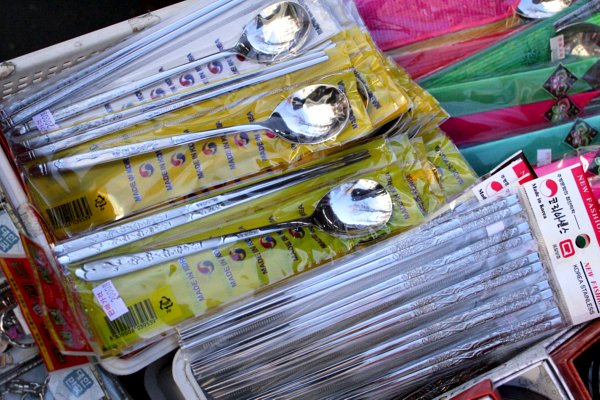 korean culture, korean metal chopsticks, cute korean souvenirs, where to buy korean souvenirs