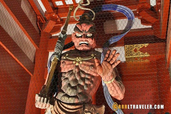 sensoji temple statue, japanese buddhist guard,