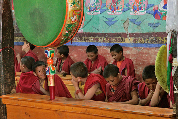 thikse gompa chanting