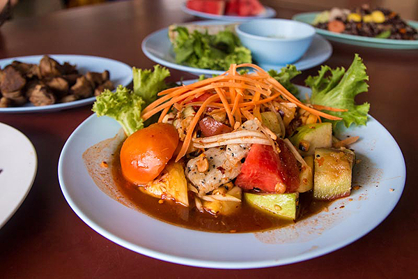 Tam Ponlamai, vegetarian food thailand, thai vegetarian foods, must try vegetarian dishes in thailand
