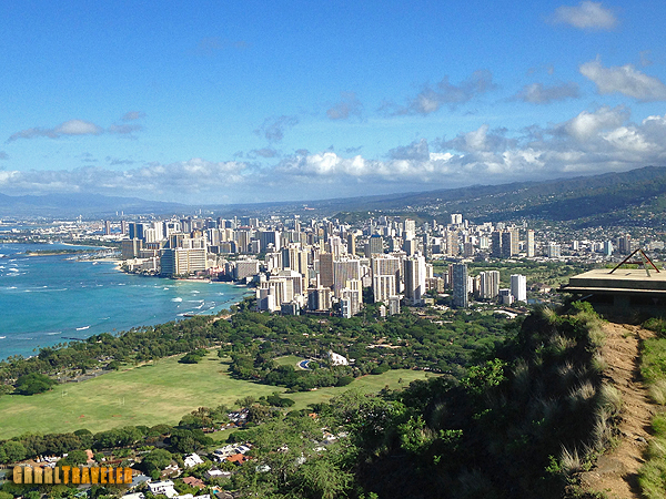Things to do in Hawaii,top 10 Things to do in Hawaii, what to do in hawaii, what to do in Hawaii on a budget, hike diamond head crater, view from diamond head crater
