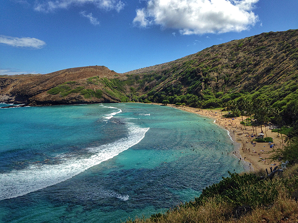 snorkeling at hanauma bay, hanauma bay, best snorkel spots in hawaii