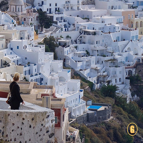 oia santorini, santorini greece, Top 5 Instagrams, traveling from Greece to Turkey, santorini houses, top things to do greece