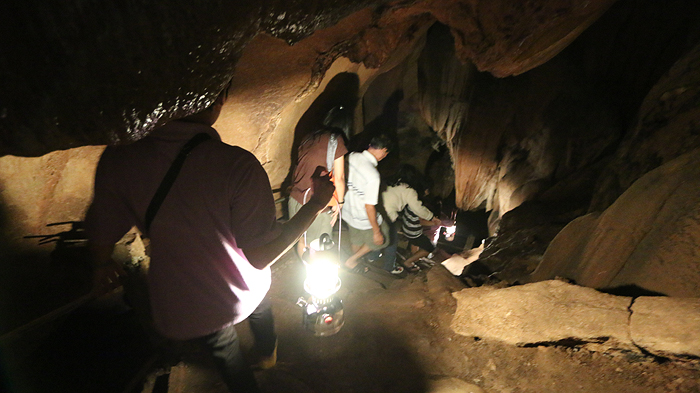 chiang dao cave lights, things to do in chiang dao, top attractions chiang dao, chiang dao cave guided tour