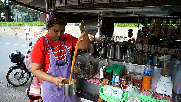 bangkok food tour, bangrak food tour, bangkok love tour, high pour coffee