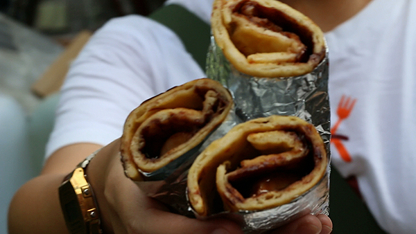 chocolate banana roti, bangkok food tour, bangrak food tour, bangkok love tour