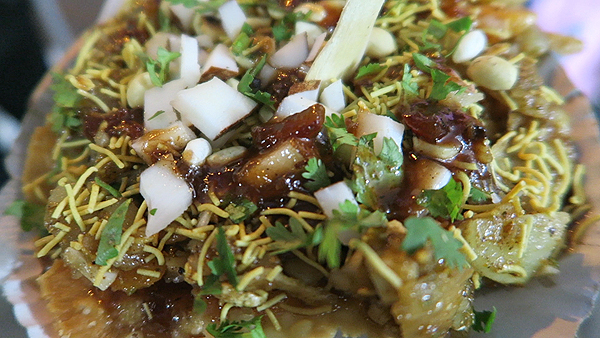 papri chaat, papri chaat kolkata, top kolkata street foods, shondesh, street foods in kolkata, Top Street Foods in kolkata, top foods in kolkata, top indian foods, top indian street foods, kolkata food walk tour
