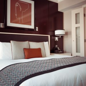 Tips for staying at hotels, hotel tips, hotel etiquette