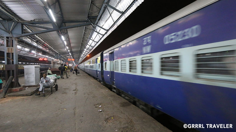 ways to get around in india, getting around india, indian trains