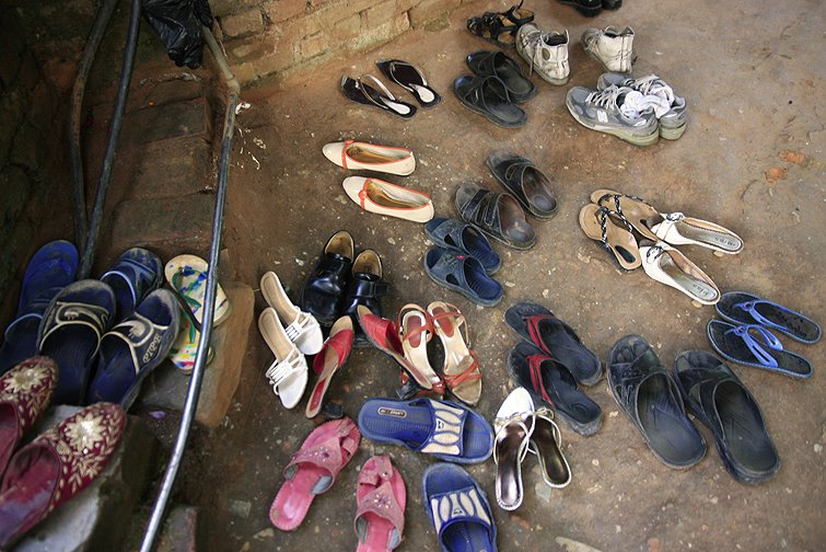Remove footwear at temples, nepalese customs, nepal temples, etiquette for nepal